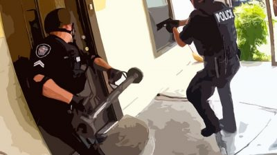 invasao domicilio policia 400x225 Cidade de 9 mil habitantes quer virar ponto turístico canábico no Canadá